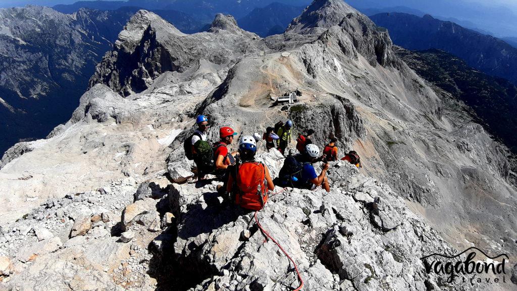 Слизане към хижа Триглав след изкачване на Триглав